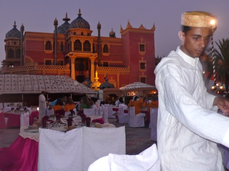 Chez-Allez-Dinner-Show-Marrakech-Palmary-Man-With-Hat-On-Arabian-Horse