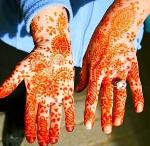 Hands-Hands-Morocco