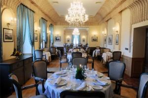 Grand Hotel Villa De France  Dining Room